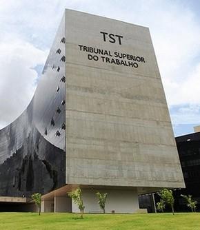 Portuário avulso não tem direito às férias em dobro previstas na CLT, diz TST